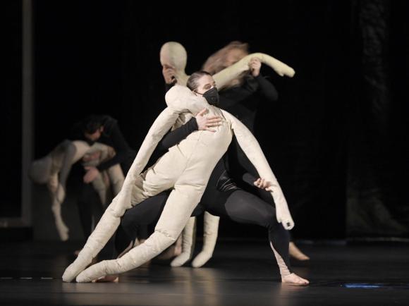 Dance-Landing-Orfeo-940979